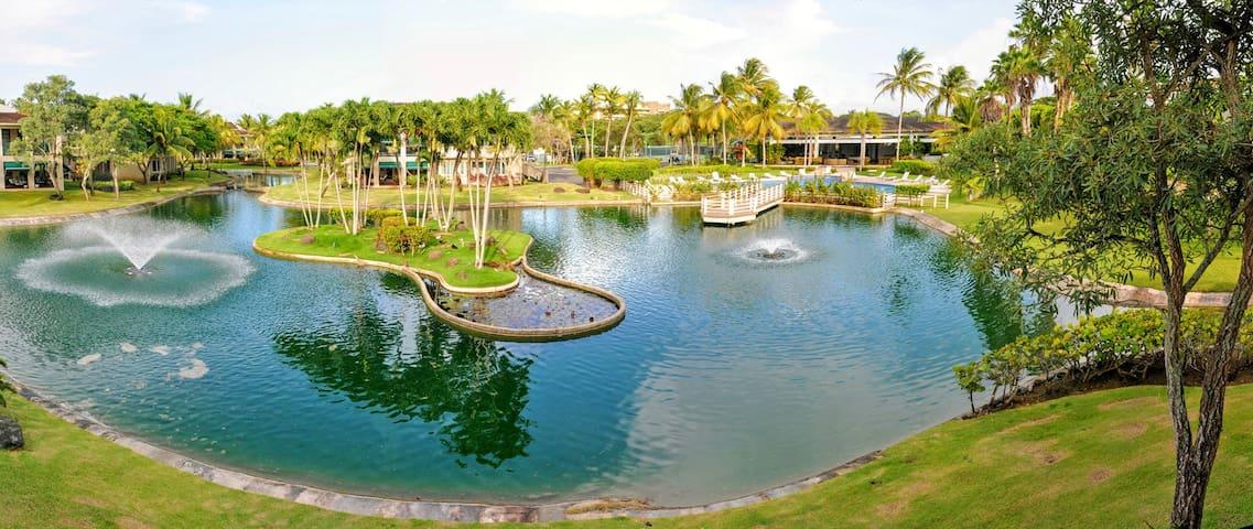Villa Fortuna- Beachfront community with Pools