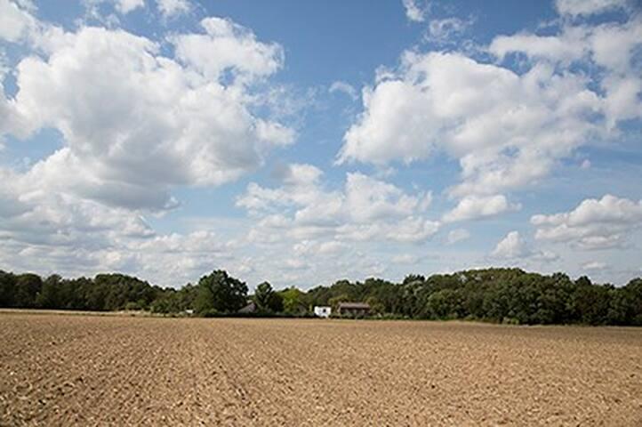 Uitzicht over het veld.