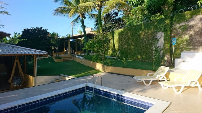 Casa 3 suítes, piscina, conforto, a 1km do centro