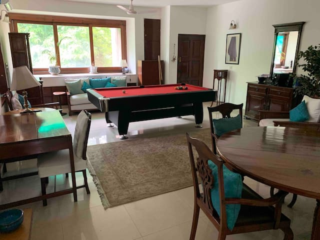Charming, spacious apt in the heart of South Delhi