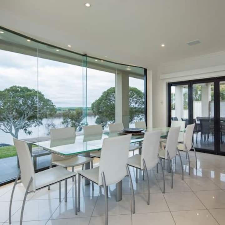 Murray Bridge  Entire house , River Frontage