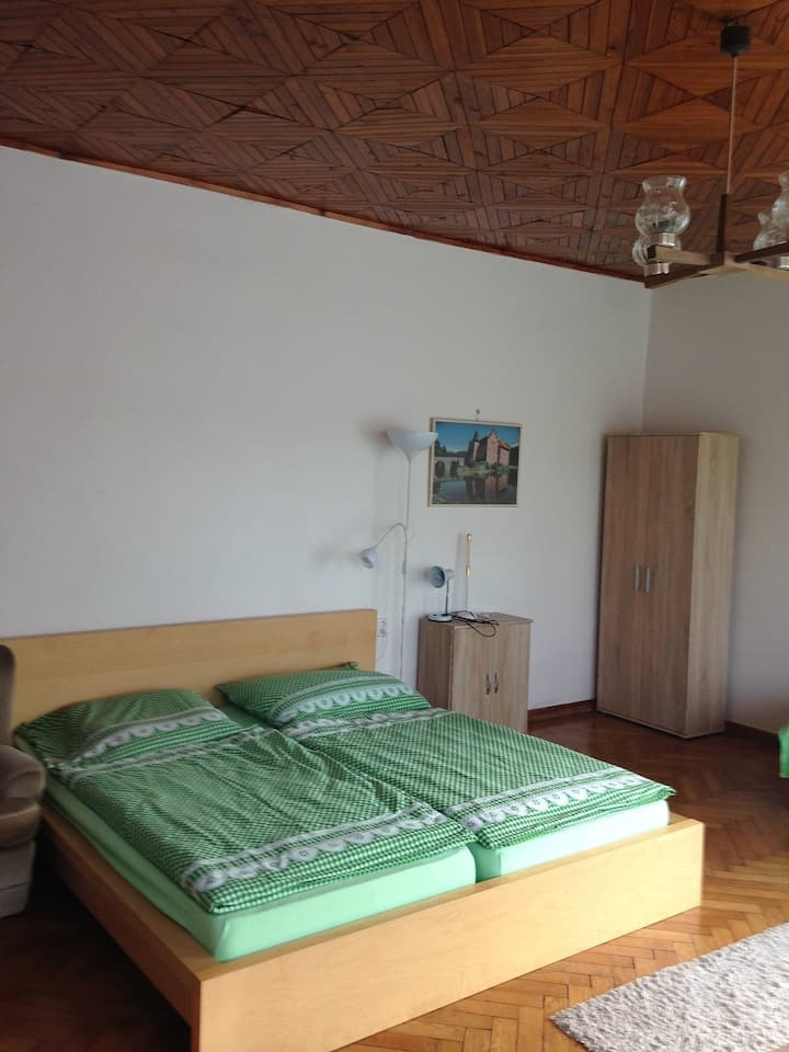 3 Rooms  for  pleasant people in  Prag 4