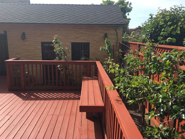 $1650/mo Private Furnished Cottage SJ Country Club - San José - Cabaña