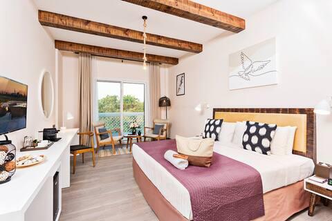 Private room near to Burj Al Arab & Public beach