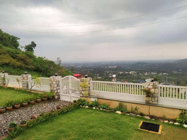 Luxury Bedrooms In Forest Villa Kaathkuni Homes