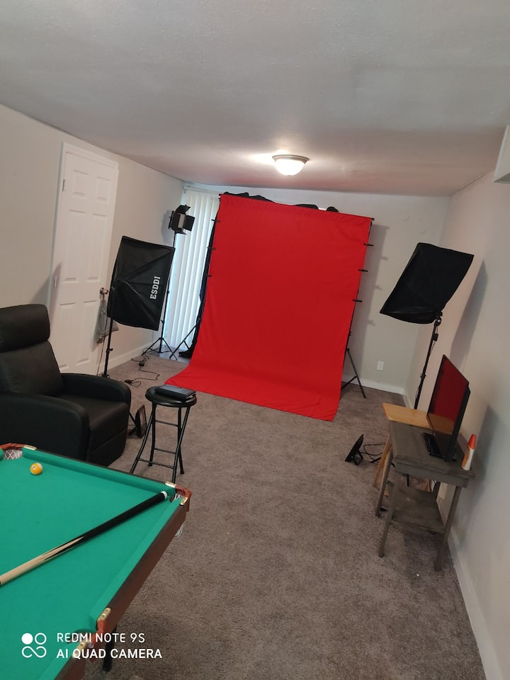 Private unit. Photography/Videography studio