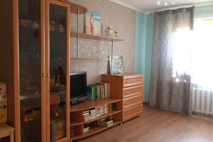 2х комнатная квартира, в Александровке.