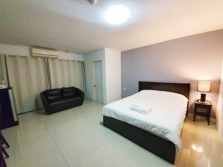 25 sqm. Standard Double with private bathroom