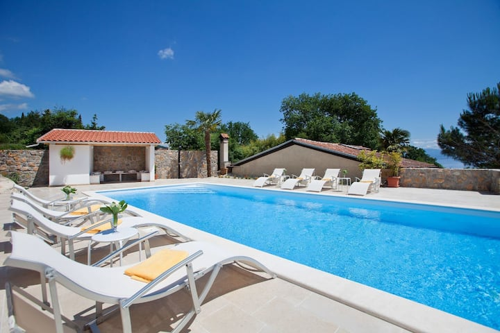 Peaceful Villa in Lovran with Swimming Pool