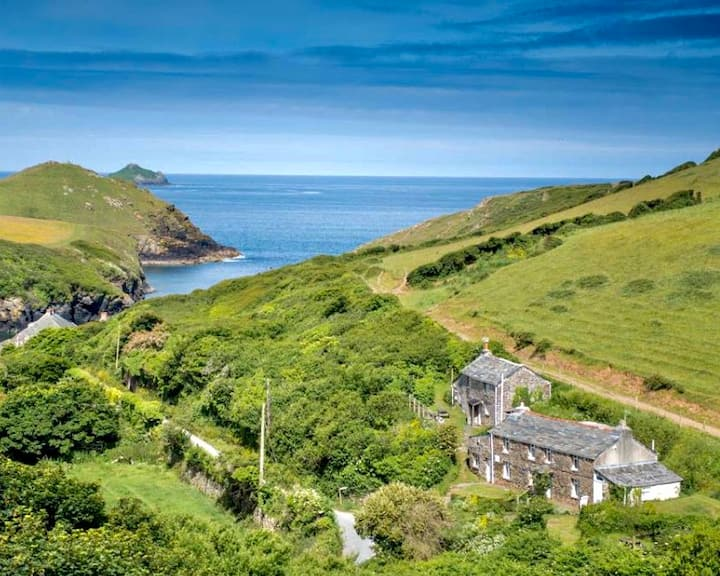 150 yards from Port Quin - Sleeps 5, Varley