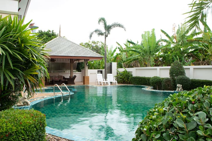 Sunny Villa - Pattaya