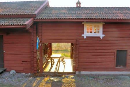 Ihr eigenes kleines Häuschen auf einem Bauernhof - Leksand