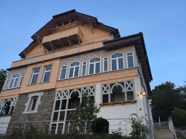 Traumhaftes Wohnen in einer Villa
