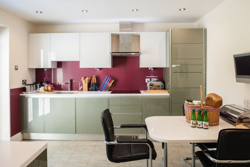 Fully equipped kitchen with every appliance - perishable items in photo for advertorial purposes and not supplied