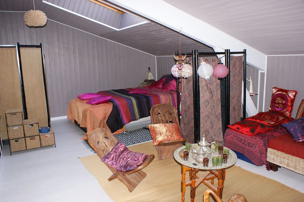 Chambre 33m2 Style Oriental Houses For Rent In Le Porge