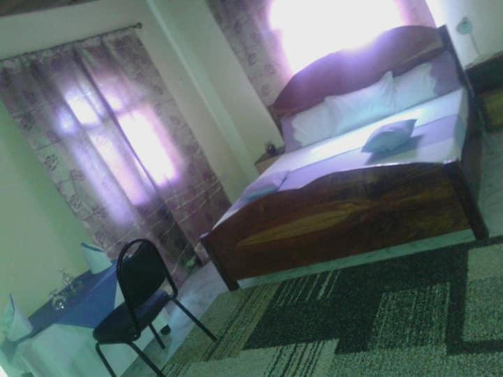 room Zazoe,private bathroom&WIFI& Solar energy