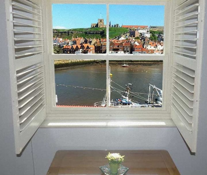 Whitby Sea View Cottage