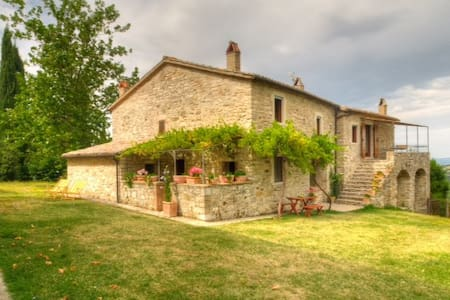 """Il Vertano"" - Acqualoreto - House"