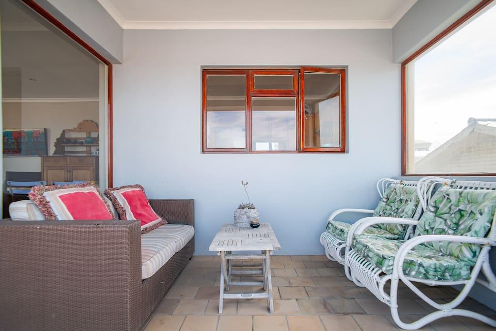 Balcony seating with gas braai.
