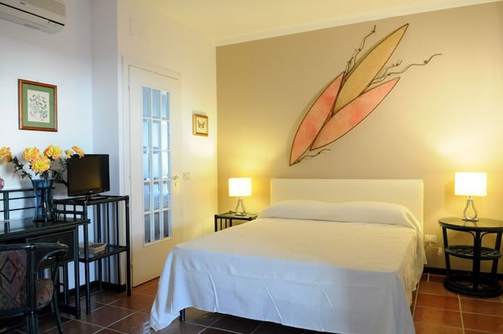 B&B Villa Di Giorgi Lipari (Triple room) - Cefalù - Bed & Breakfast