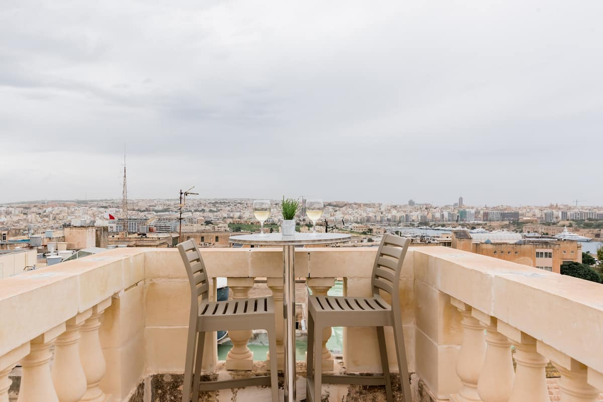 Valletta Townhouse Suite with a Rooftop Terrace