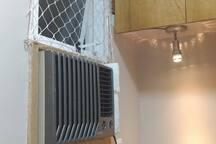 Quarto - Ar condicionado e basculhante