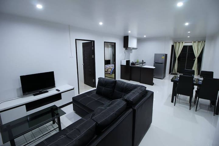 Luxury   2  bedroom apartment in City. - Chiang Mai - Byt