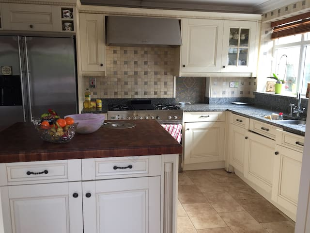 Shared Self Catering House near GlanClwydHospital