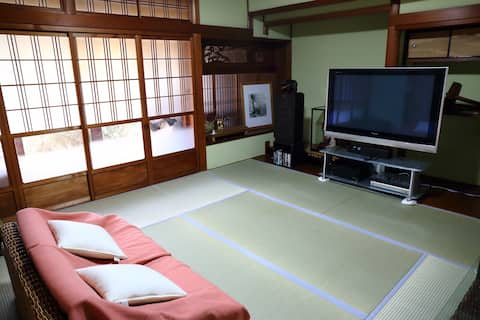 Traditional Japanese House in a Village 自然の中の一軒家