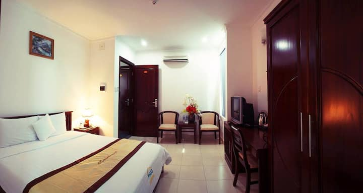 Deluxe room close to the Airport