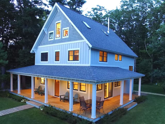 Modern Cottage in the Village of Leland
