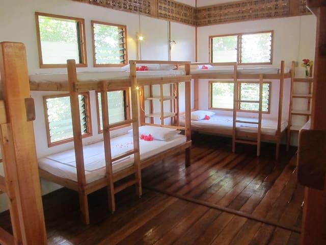Eskapo Verde Room 1