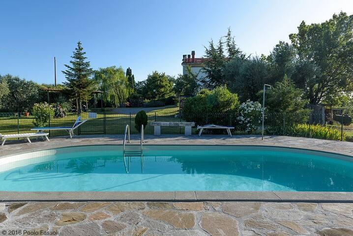 Appartamento con vista e piscina in esclusiva