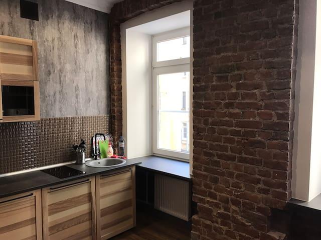 Современная квартира-студия в центре