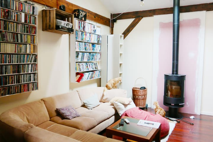 Beautiful duplex loft 2 bedrooms near Paris