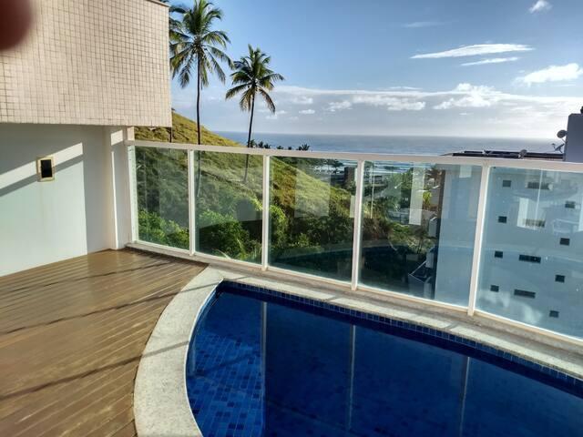 Cobertura com piscina privativa