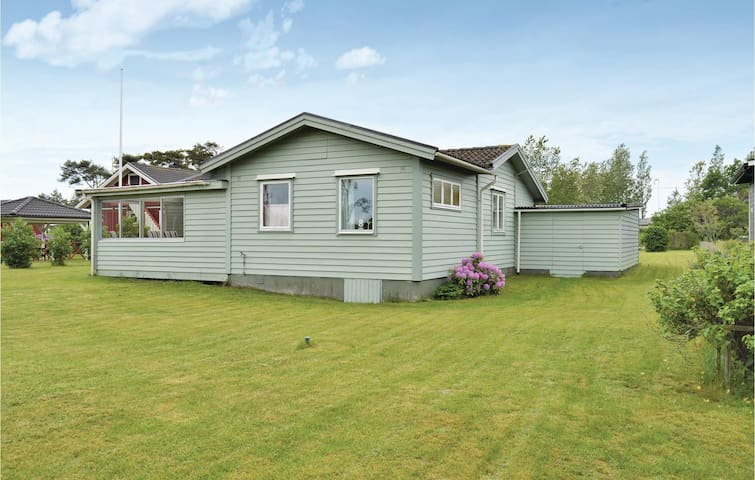 Holiday cottage with 3 bedrooms on 70m² in Tvååker
