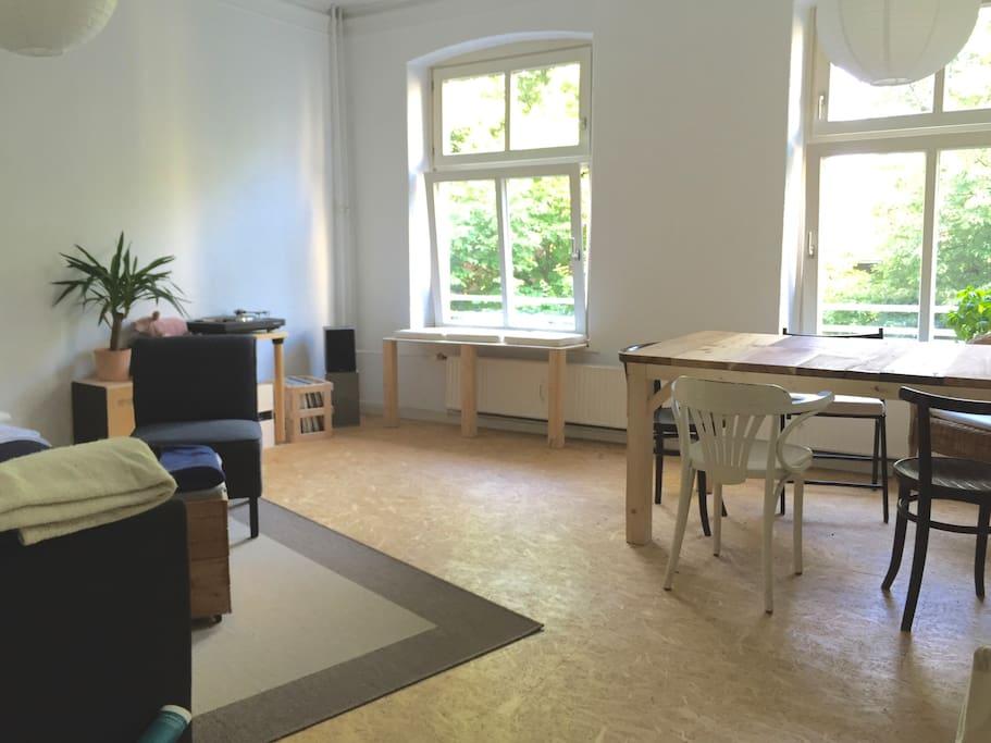 Wohnzimmer (Tag)
