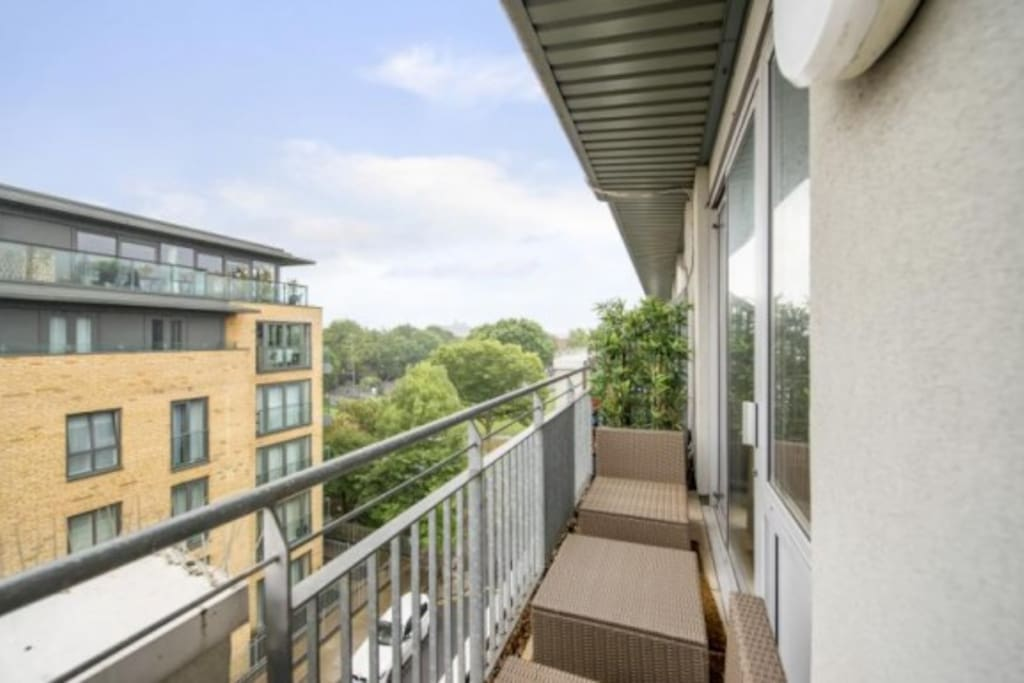 Balcony + sitting area facing Central London
