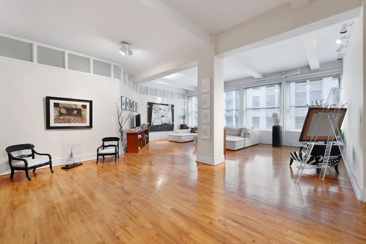 Artful loft ★ NYC ★ Chelsea