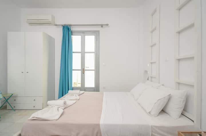 Depis Suites naxos st george beach  triple room