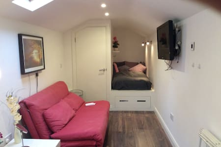 Studio apartment Dublin 18