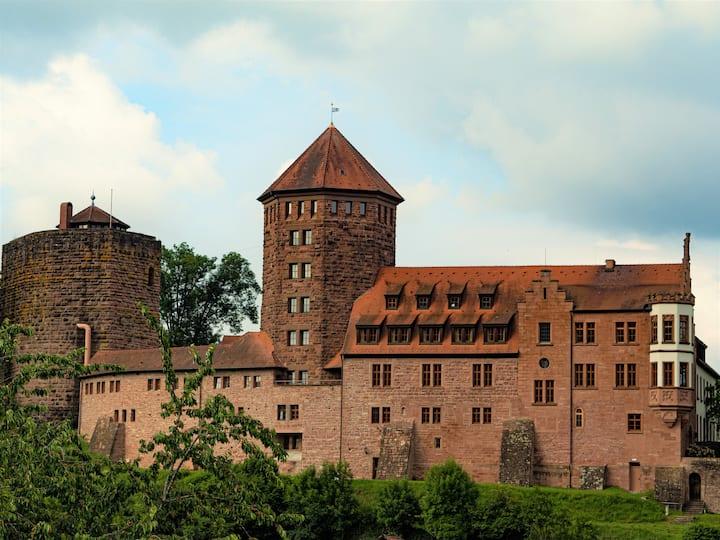 Burg Rieneck 4-Bett-Zimmer