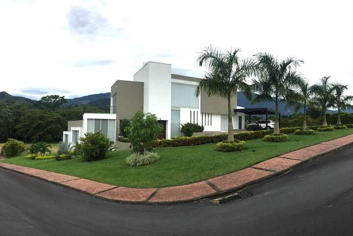 Casa Campestre - Restrepo (Villavicencio)
