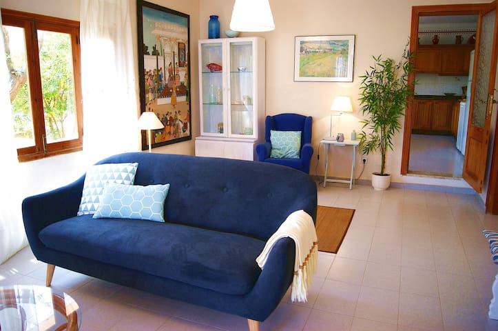 Charming House for 12 pax, 5' from Sea 6bd 3bth