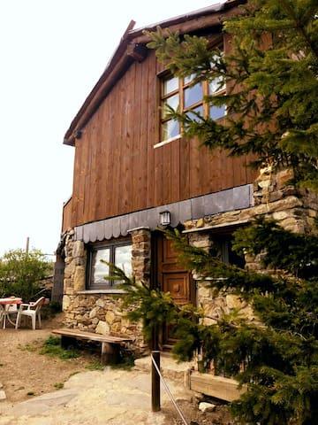 La Caseta gran de Talltendre - Bellver de Cerdanya, Catalunya, ES - Hus
