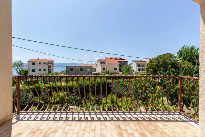 Apartments Mirko Duce / Studio A4