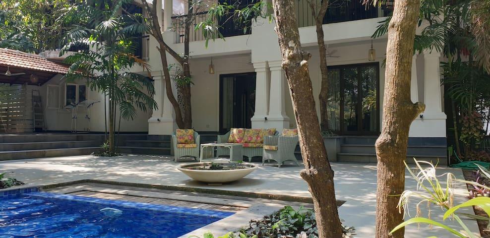 Casa Da Rosa Villa with plunge pool and caretaker