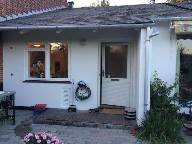 Rækkehus i Holte med dejlig have - Holte - Apartament