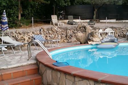 Villa San Valentino verde e piscina - Terni - Villa